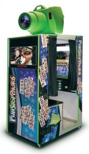 Digital photo booth manufacturer Team Play introduces its digital photo booth Fun Stop Photos